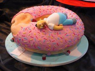 Торт пончик и Гомер Симпсон, торт для мужчины, торты из мастики для мужчин