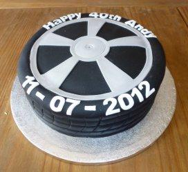 Торт колесо, торт для мужчины, торты из мастики для мужчин