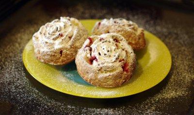 Сметанные кексы с ягодами